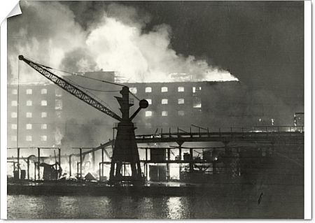 Warehouses ablaze following heavy bombing raids on the Surrey Commercial Docks in Rotherhithe, SE London. This raid took place on 7 September 1940 and was consider to be the start of the Blitz on London, followed by other important UK cities