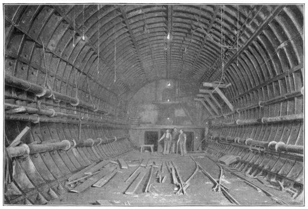 BLACKWALL TUNNEL Interior of the tunnel during construction
