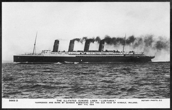 Passenger liner of the Cunard line, the largest in the world at the time of her launch ; she will be torpedoed by a German U-boat in 1915, with the lost of 1198 lives