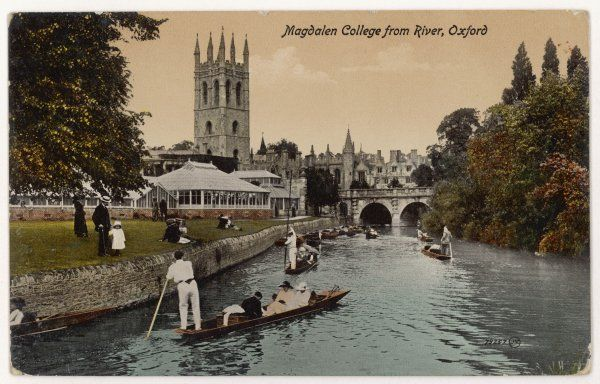 Oxford: punting near Magdalen College bridge