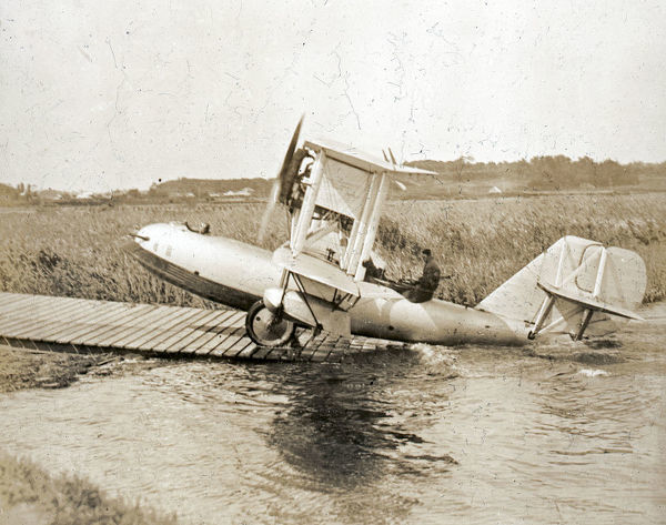 Supermarine Channel Mk.II coming up landing stage under own power