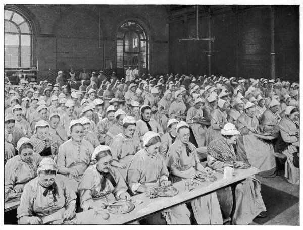 London : women in the refectory of Saint Pancras workhouse