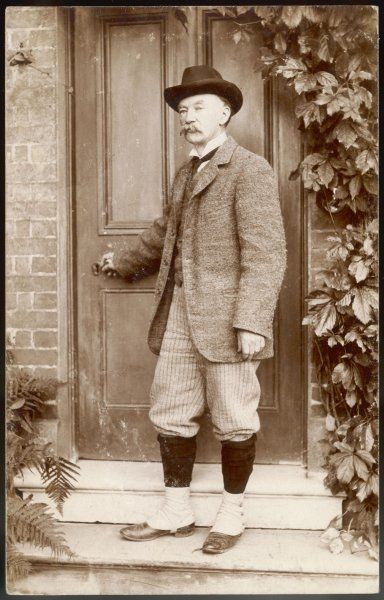 THOMAS HARDY writer, at his home at Max Gate, early 1920s