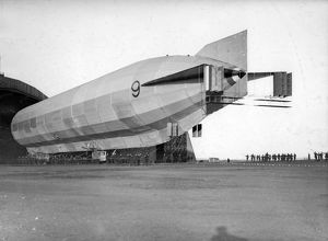 Airship R9 leaving the shed