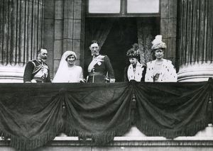 Buckingham Palace balcony after wedding of Princess Mary
