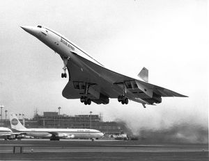 Concorde in British Airways colours takes-off