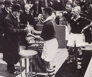 new items grenville collins collection/fa cup final 1934 cup presented winners manchester