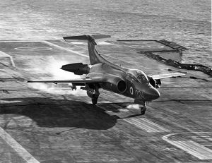 Hawker Siddeley Buccaneer S2 of the Royal Navy lands