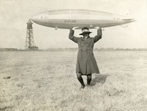 Holding up the R101