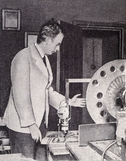 new items grenville collins collection/john logie baird demonstrates first television