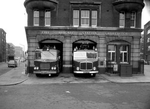 london fire brigade/lcc lfb shoreditch fire station hackney
