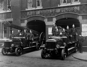 london fire brigade/lcc lfb tooley street fire station crews
