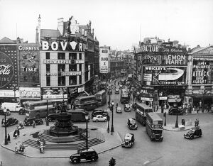 PICCADILLY CIRCUS 1956