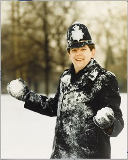 POLICE OFFICER IN SNOW