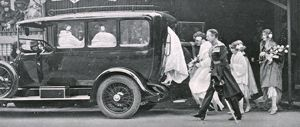 Royal Wedding 1923 - bridesmaids leaving the Abbey