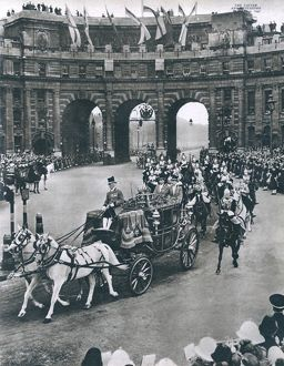 Royal Wedding 1947 - bridal procession