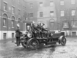 london fire brigade/self propelled fire engine lfb hq southwark