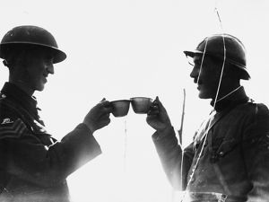 Soldiers toast in 1917